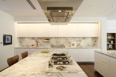 White / marble kitchen