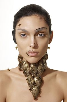 """Cycle 16: when the models had to pose for a beauty shoot with bees. Killer bees! 