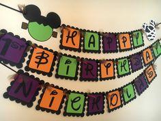 Halloween 1st Birthdays, Halloween First Birthday, Mickey Halloween Party, Happy Halloween Banner, Minnie Mouse Halloween, Halloween Labels, Birthday Party Hats, Mickey Party, Mickey Mouse Birthday