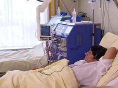 Erfahren Sie mehr über Blutwäsche. Nierenerkrankungen verlaufen häufig unbemerkt bis hin zum endgültigen Nierenversagen. Häufige Ursachen sind Diabetes mellitus und Bluthochdruck, aber auch entzündliche Nierenerkrankungen. Ist es schließlich doch zum endgültigen Nierenversagen gekommen, so ist eine sorgfältige Planung der Nierenersatztherapie nötig, die wir gemeinsam mit dem Patienten durchführen. Die heute am häufigsten angewandte #Gesundheit #Dialyse