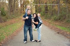 Brittany Buitron photography family pose