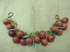 RARE-Vintage-Marbled-BAKELITE-Dangling-Cherries-Charm-Bracelet-Celluloid-Chain