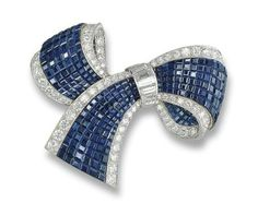 Van Cleef and Arpels - Broche Clip - Diamants et Saphirs
