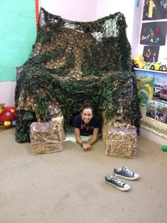 Our bear cave for we're going on a bear hunt! Preschool Rooms, Preschool Literacy, Preschool Lessons, Kindergarten, Picnic Activities, Animal Activities, Sensory Activities, Camping Dramatic Play, Sunday School Rooms