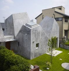 Yokohama House by Torafu Architects