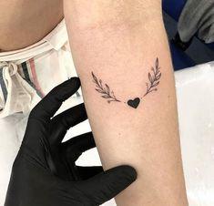 Image about beautiful in Tatuagem by Júlia Domiciano Pretty Tattoos, Beautiful Tattoos, Cool Tattoos, Picture Tattoos, Little Tattoos, Mini Tattoos, Small Tattoos, Wrist Tattoos, Body Art Tattoos