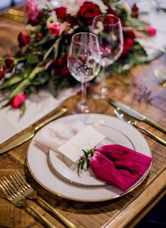 Dip dyed napkins | Kelsea K Photography | see more on: http://burnettsboards.com/2016/02/industrial-romance/
