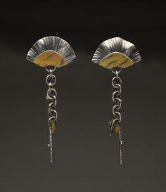 Fan dangle earrings