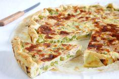 La torta salata prosciutto e verdure è un antipasto sfizioso e gustoso, ideale da servire come antipasto o cena. Ecco la ricetta