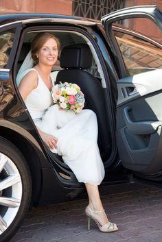 Detalle del ramo de la novia y de los espectaculares zapatos de Marta de Magrit Couture!!