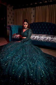 Indian Wedding Gowns, Indian Gowns Dresses, Indian Bridal Outfits, Indian Bridal Fashion, Indian Fashion Dresses, Dress Indian Style, Prom Dresses, Indian Weddings, Hindu Weddings