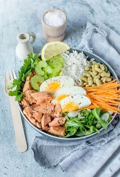 """. On appelle """"bol du dragon""""ou """"Buddha bowl"""" un repas complet et équilibré où tous les ingrédients sont servis ensemble dans un bol pour un résultat des plus appétissants."""