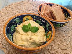 Homus - Pasta de Grão de Bico - http://www.casarnaoengorda.com.br/recipes/homus-pasta-de-grao-de-bico/