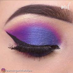 Purple Eyeshadow Looks, Purple Makeup Looks, Purple Eye Makeup, Colorful Eye Makeup, Smokey Eye Makeup, Eyeshadow Makeup, Galaxy Eyeshadow, Holographic Eyeshadow, Purple Smokey Eye