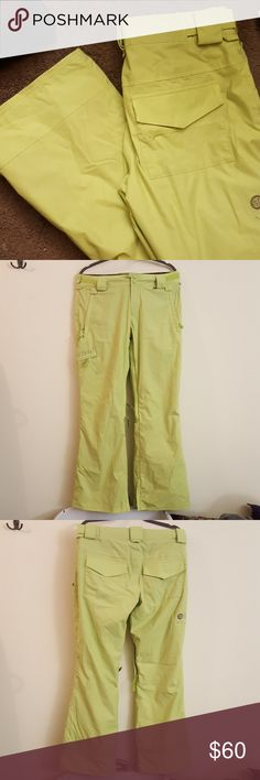 Special Blend Lime Green Snow Pants Size M Special Blend Lime Green Snow Pants Size M (medium). Gently worn a few times, like new condition. Has an adjustable waist line. Lots of pockets! Check out my other listings for sale, I've got a ton! Bundle and save!  *All my earnings will go towards helping the victims of hurricane Maria in Puerto Rico* Special Blend Pants Boot Cut & Flare