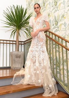 Need a Gown! Here's the best maria clara dress in the Philippines. The María Clara gown, sometimes referred to as Filipiniana dress or traje de mestiza Filipiniana Wedding Theme, Modern Filipiniana Dress, Wedding Looks, Wedding Wear, Dream Wedding Dresses, Maria Clara Dress Philippines, Bridal Lace, Bridal Gowns, Filipino Fashion