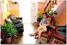 Ana, la propietaria. Cuba, Trinidad, Discos