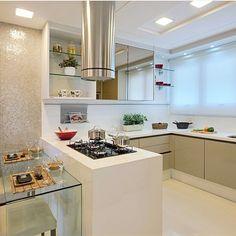Hello people amado! Inspiração de hoje fica por conta desta linda cozinha que encontrei no Decorando a Casa e a Vida {decorandoacasaeavida} da mega talentosa Ale Gomes que eu super admiro! Projeto: Marilia Bezerra. #maisinteriores #somosconteudo_