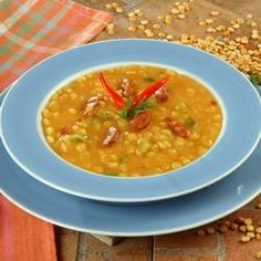 Kolbászos sárgaborsóleves Recept képpel - Mindmegette.hu - Receptek Yellow Split Pea Soup, Hungarian Recipes, Hungarian Food, Goulash, Soups And Stews, Food For Thought, Soup Recipes, Food And Drink, Favorite Recipes