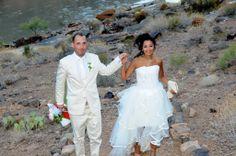 Robe de mariée courte devant et longue à l'arrière en tulle bordé de satin de la boutique dépôt-vente en robes de mariées Mariage en Rose.