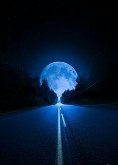 Mondschein-Landstraße – Akira Fudo – Join in the world Moon Pictures, Nature Pictures, Good Night Moon, Moon Magic, Beautiful Moon, Tumblr Wallpaper, Blue Moon, Moon Moon, Moon Rise