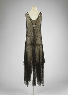 Evening Dress | c. 1920s http://defunctfashion.tumblr.com/post/48540885643/evening-dress-c-1920s