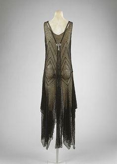 Evening Dress | c. 1920s http://defunctfashion.tumblr.com/post/48540885643/evening-dress-c-1920s
