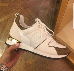 Different Types of Sneakers. I wager it is those sneakers that you use everywhere. Sneaker can be used for lots of things Hot Shoes, Shoes Heels, Sneakers Fashion, Fashion Shoes, Skull Fashion, Fashion Black, Curvy Fashion, Louis Vuitton Sneakers, Mode Ootd