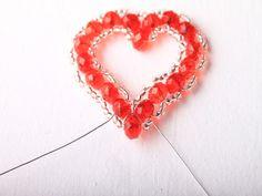 Návod na valentýnské srdce z korálků - 32 Sugar Cookie Icing, Crochet Earrings, Jewelry, Jewlery, Jewerly, Schmuck, Jewels, Jewelery, Fine Jewelry