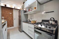 Imagem de http://www.apartamentoplanoeplano.com.br/imagens/decorado-cozinha-1.jpg.