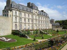 Château de l'Hermine à Vannes guide touristique du Morbihan Bretagne