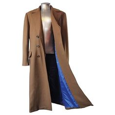 Interesting style concept... A really long coat. Sort of... entertaining.