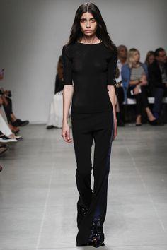 Iceberg Spring 2016 Ready-to-Wear Fashion Show - Vanessa Moreira