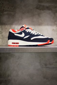 Nike Air Max 1 Essential - Obsidian / Squadron Blue / Total Crimson