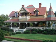 OldHouses.com - 1885 Victorian: Queen Anne - The Elmore Estridge House in Kershaw, South Carolina