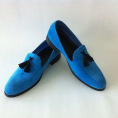 Ce poate fi mai frumos in acest sezon, decat o pereche de loafers albastri.