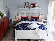 Schlafzimmer in Blau, Weiß, Rot