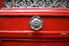 Porte rouge-gris #paris #street