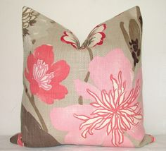 Set of 2 Pillows