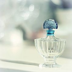 <3 Shalimar! Beautiful scent!  My favorite....and my husband's, too :-)