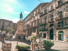 From the food to the weather, the people, the beaches, the architecture, the cost of living and safety - find out what living in Palermo is really like! Palermo Italy, Places In Italy, World Heritage Sites, Sicily, Beautiful Beaches, Day Trips, The Good Place, Street View, Language