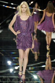 Elie Saab Spring 2009 Ready-to-Wear Fashion Show - Heidi Mount
