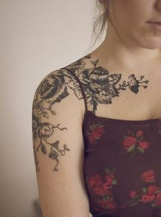 33 Shoulder Tattoo Designs For Girls