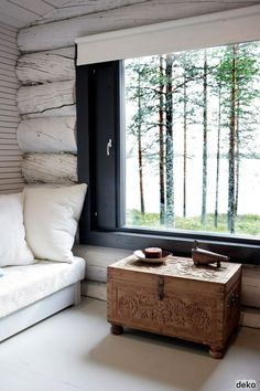 Here's a new, modern spin on rustic cabin style. Cosy Interior, Interior Exterior, Natural Interior, Interior Livingroom, Interior Paint, Kitchen Interior, Scandinavian Cabin, Scandinavian Interior, Modern Log Cabins