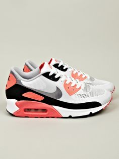 pretty nice 8afad 0ec2a Nike Men s Air Max 90 OG Hyperfuse in white at oki-ni