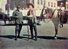 """Le Prince Albert Ier et le Colonel W. F. Cody dit """"Buffalo Bill"""", 16 sept. 1913, H. Bourée, autochrome 9 x 12cm"""