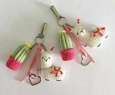 Inspiration for Amigurumi keychain - knitting is as easy as . - Amigurumi keychain inspiration – knitting is as easy as 3 Knitting boils down to three esse - Crochet Gifts, Cute Crochet, Crochet Toys, Knit Crochet, Crochet Animal Amigurumi, Cactus En Crochet, Crochet Mignon, Cactus Craft, Confection Au Crochet