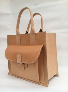 Must-have gorgeous leather tote that ages beautifully! (Image of Sac 2 / Natural Cow)