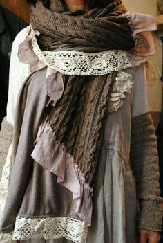 lagen look, mori girl, refashioned sweater, lace, ruffle, functional and fashionable art