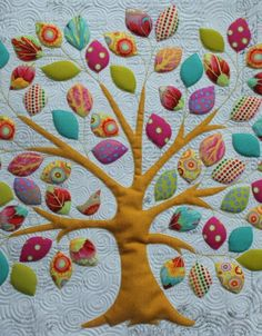 Memory Tree Quilt from KellieX. This would be a great way to use scraps, baby clothes or incorporate kids memories in a quilt format.